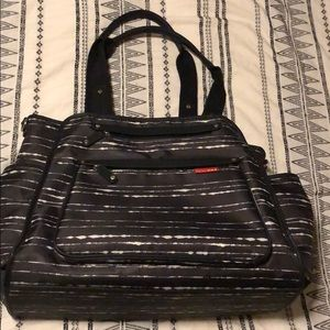 SKIP HOP GRAND CENTRAL TOTE DIAPER BAG